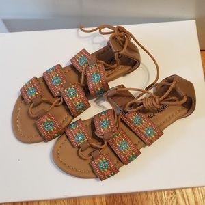 Girls Gladiator embroidered lace up sandals NwT